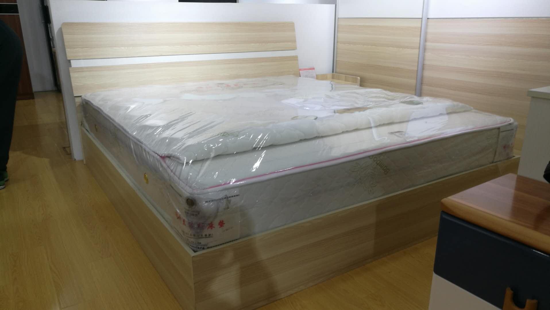 简约风格原木色B型床箱床