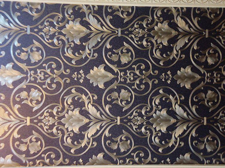 无纺布墙纸用糯米胶贴是刷墙上还是刷壁纸后面