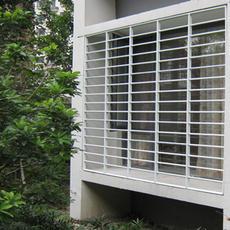 明亮安格防盗窗-平面版、多色选择新颖、流畅,阳台窗