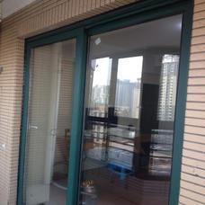 【万增门窗】富丽华1.4mm内白外绿双色断桥80中空阳台移门