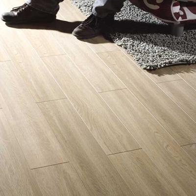大自然仿实木强化地板-田园橡木lc1206