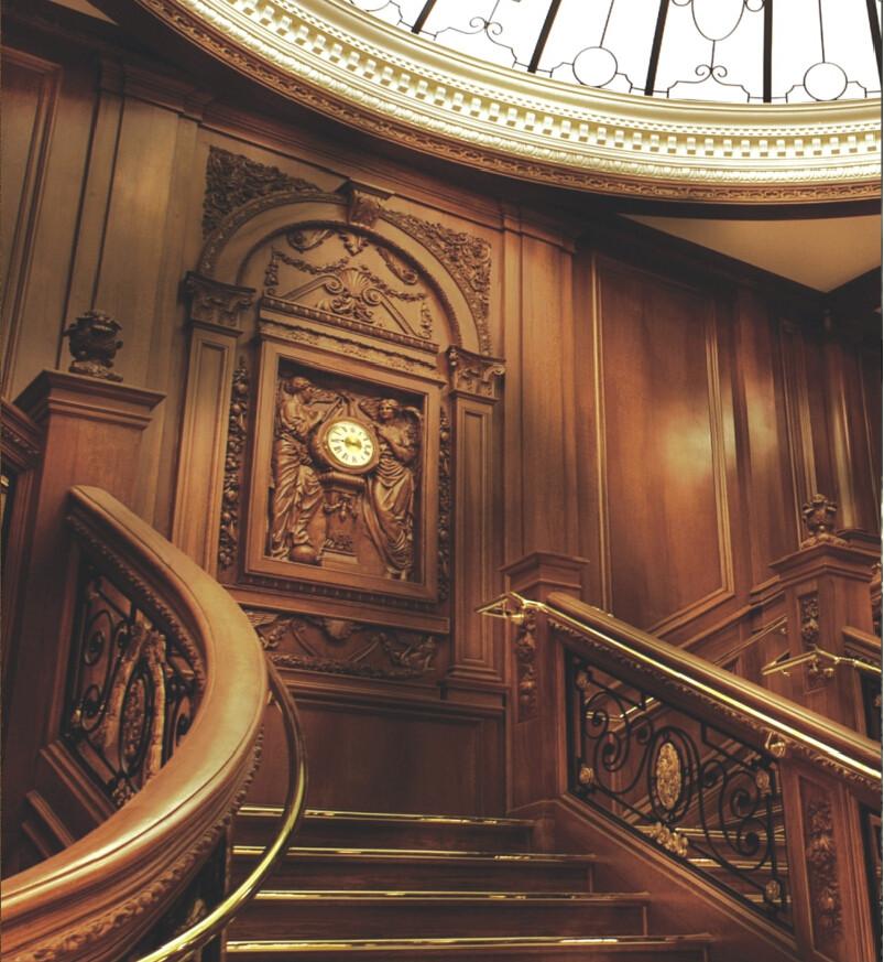 莫干山楼梯 整体 舶来品 红檀香木 价格面议