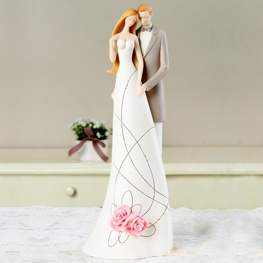 真情亲吻幸福相拥树脂人物桌面摆件姻缘简约现代摆件