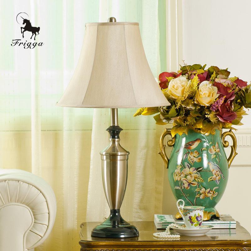 弗丽嘉辛普森布树脂欧式白炽灯台灯