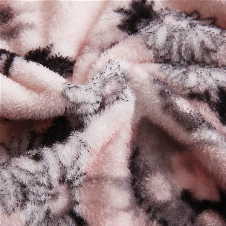 开心雷-珊瑚绒毯春秋植物花卉简约现代毛毯