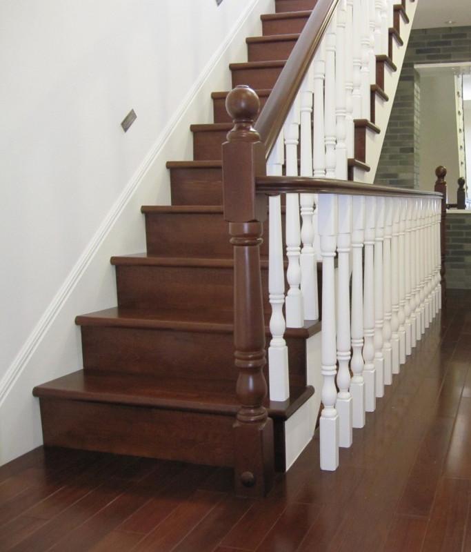 康辉 美国红橡榉木橡胶木折叠梯 橡胶木水泥基础楼梯楼梯