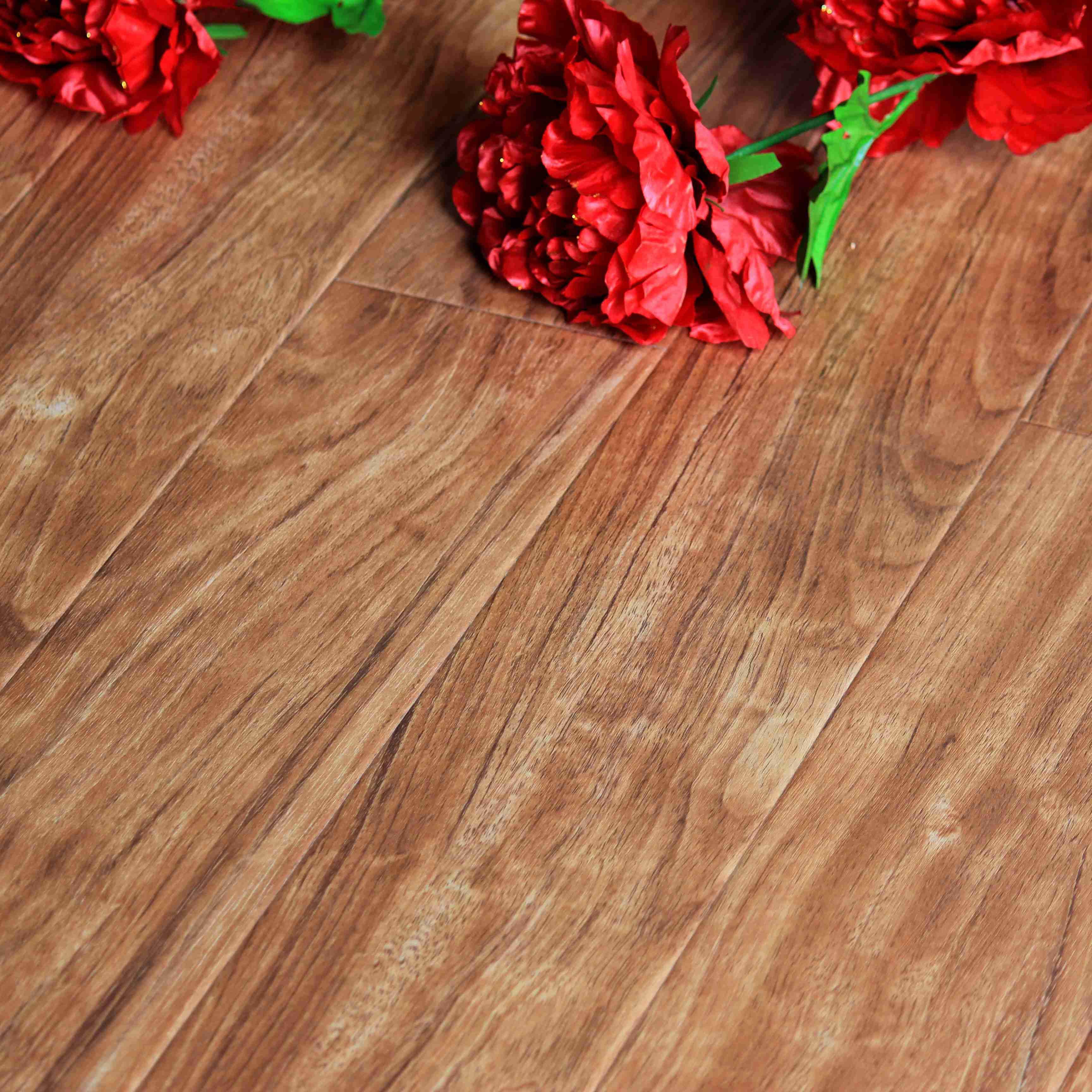 欧益高密度纤维板双锁口欣耐地板