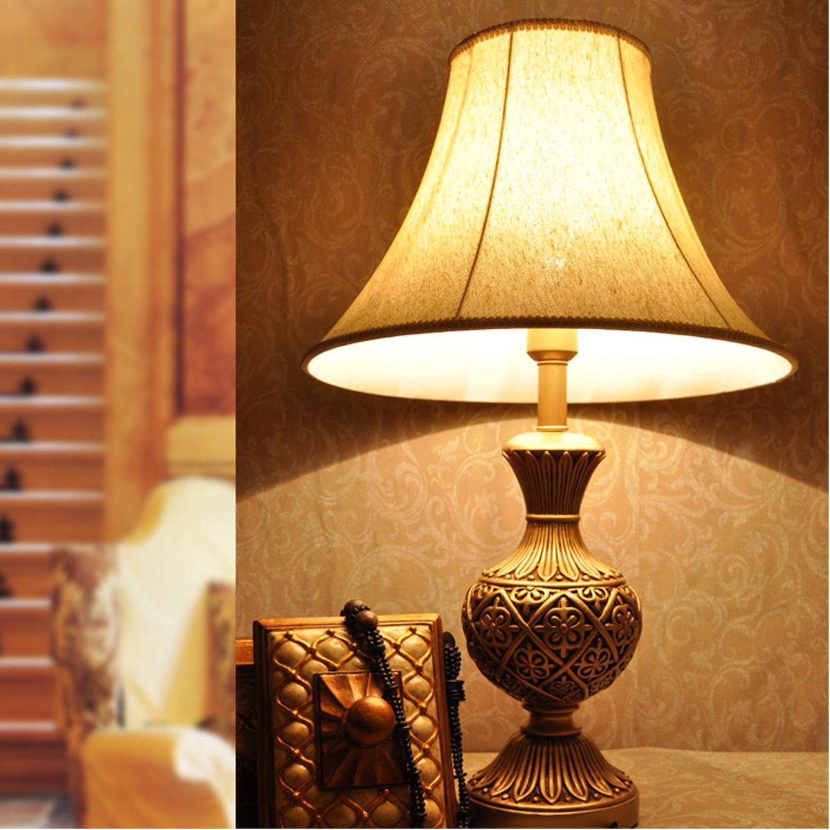 柏诗帝 金色布树脂欧式镂空雕花 台灯