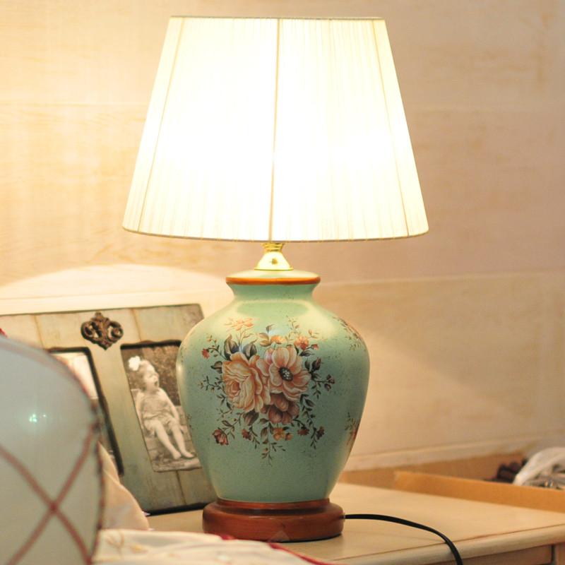 黛菲布陶瓷欧式白炽灯台灯