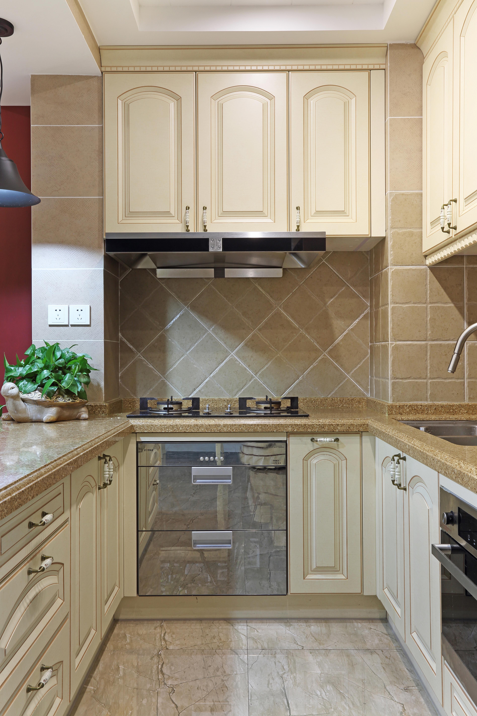 110㎡三居室美式裝修廚房布局圖