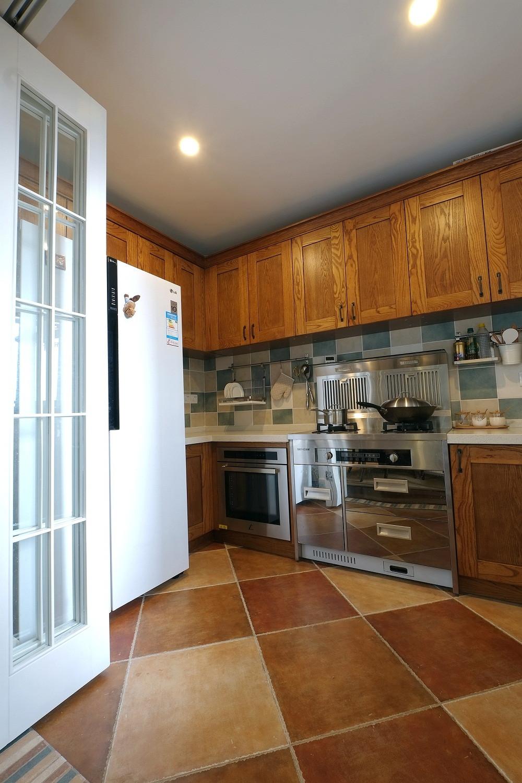 簡美風格三居裝修廚房參考圖