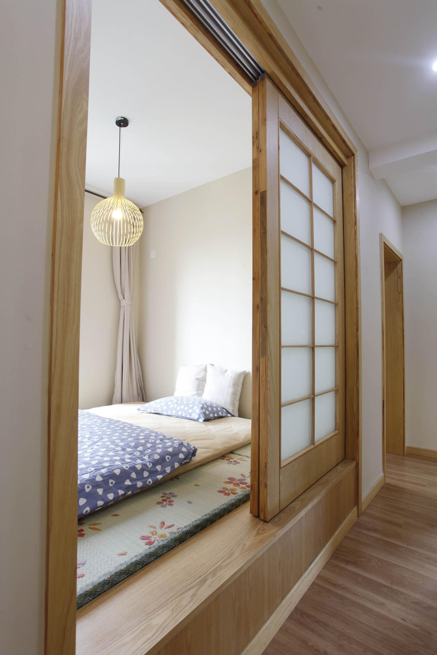 卧室隔断榻榻米设计图