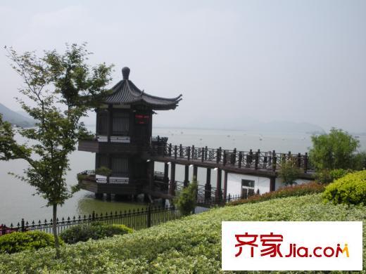 万悦城东600米云龙湖风景区