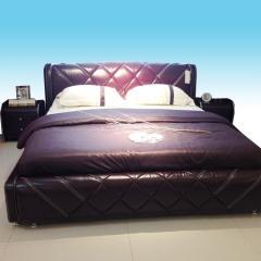 卧房1.8真皮软床