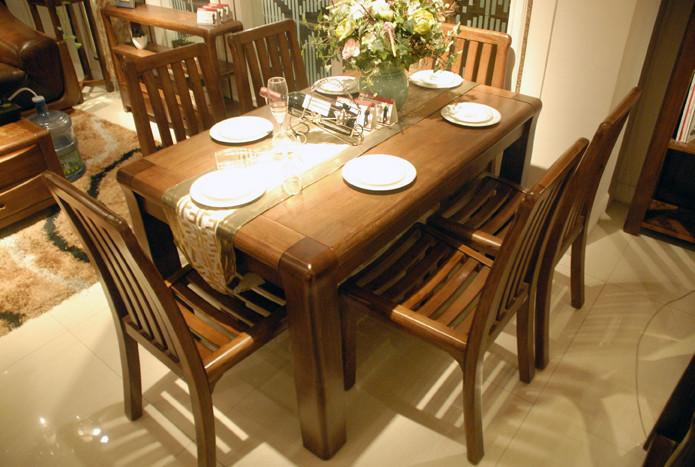 E200餐桌