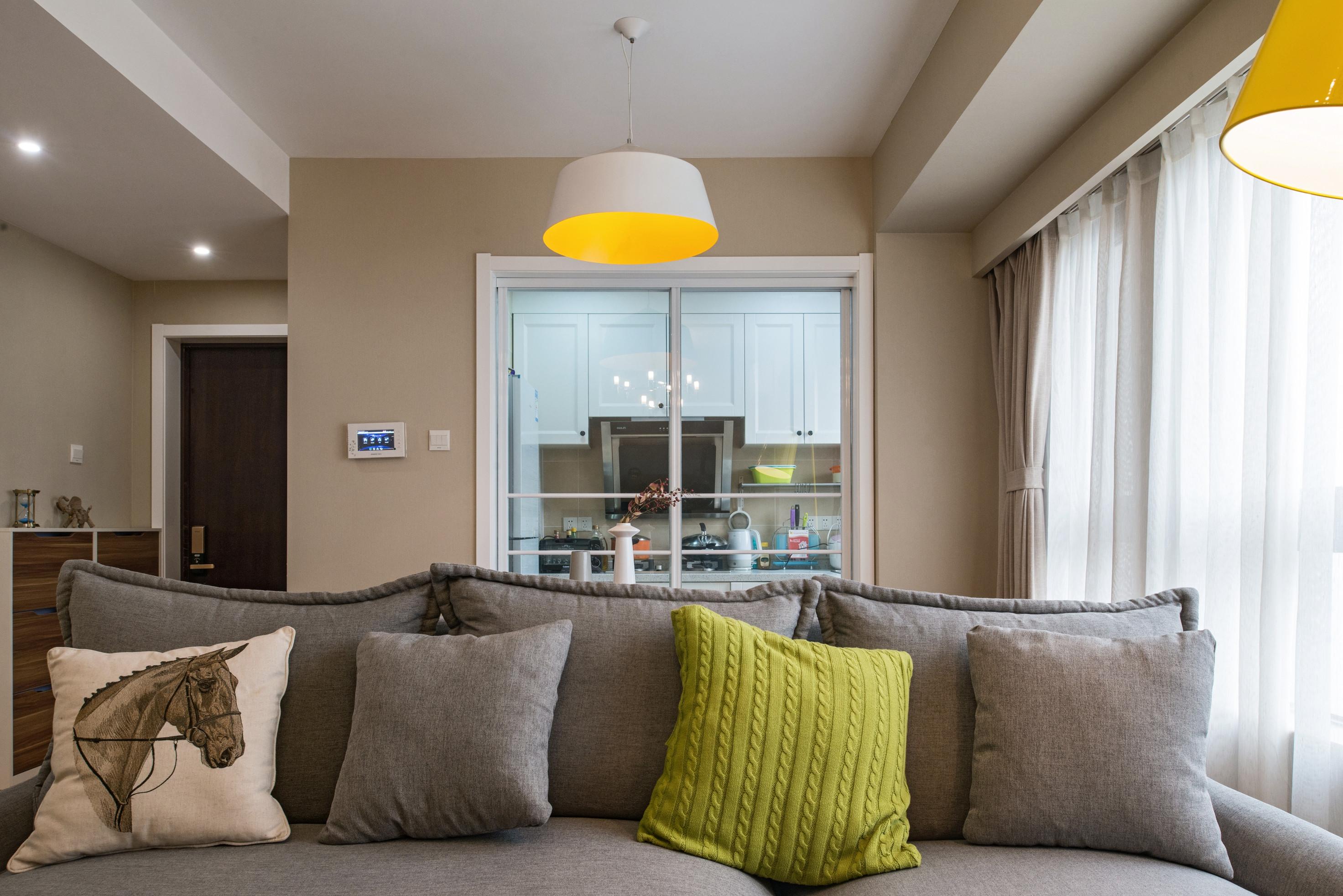 90平欧式装修客厅沙发图片