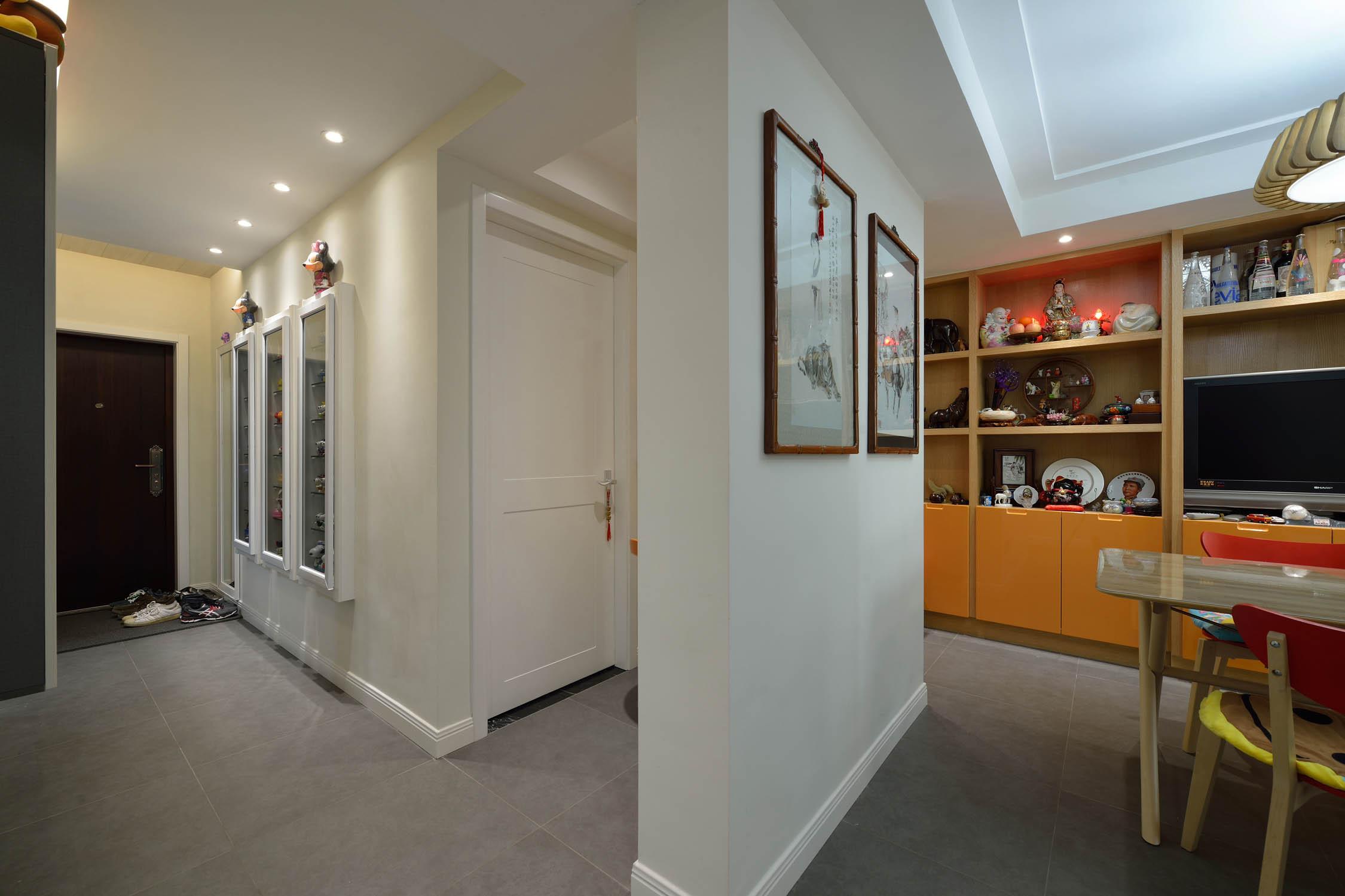 三居室簡約風格裝修門廳走道