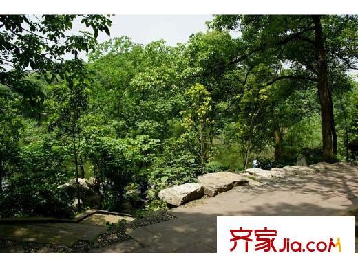 华宇锦绣花城项目周边华岩风景区