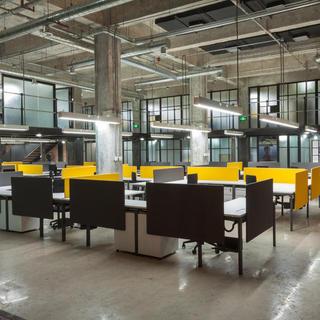 工业风格现代办公楼装修图
