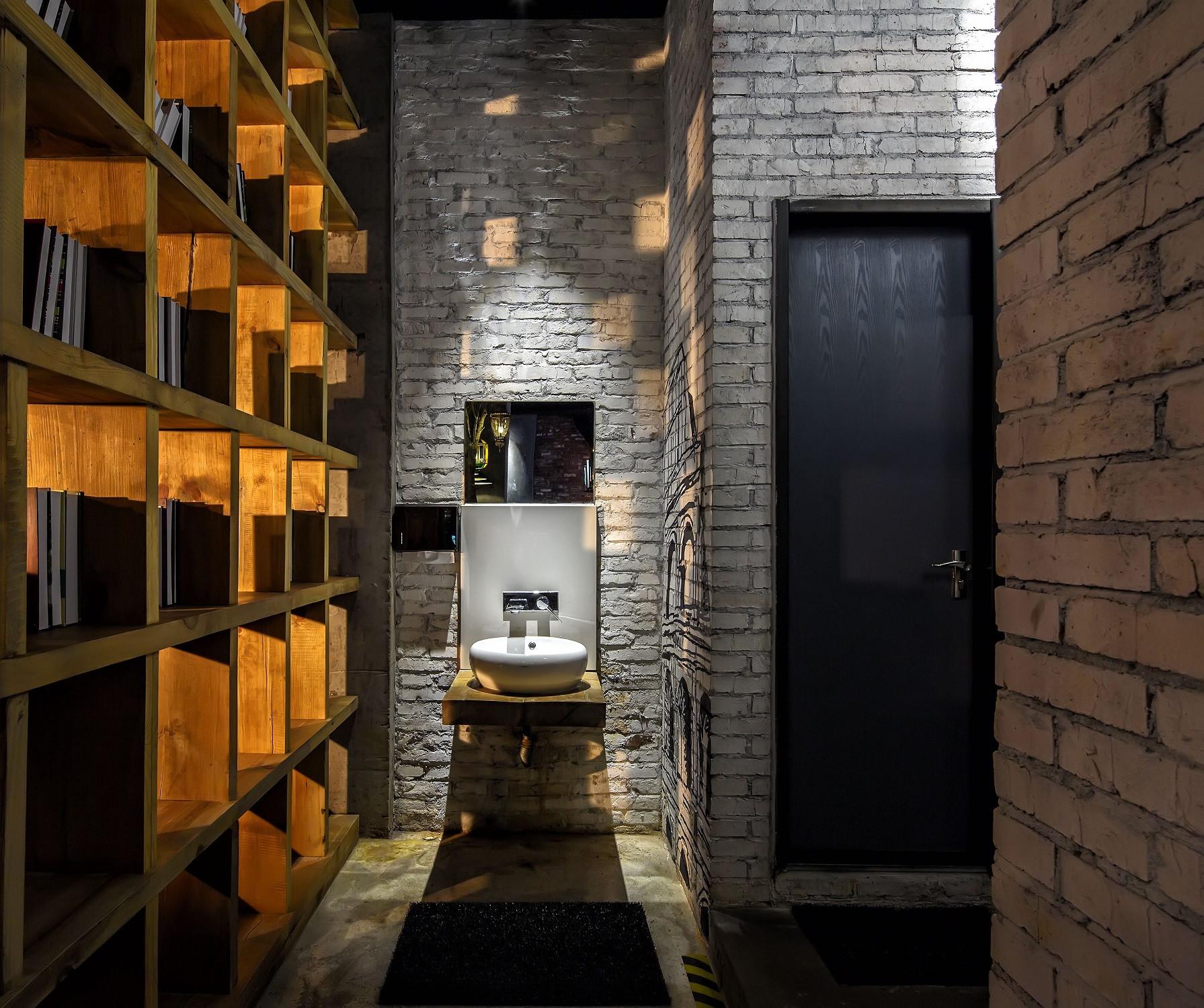 神秘复古咖啡厅装修卫生间设计图