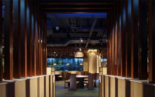 个性化艺术餐厅吊顶设计
