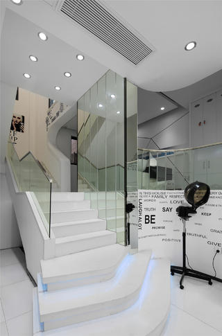 极简美发造型室装修楼梯设计