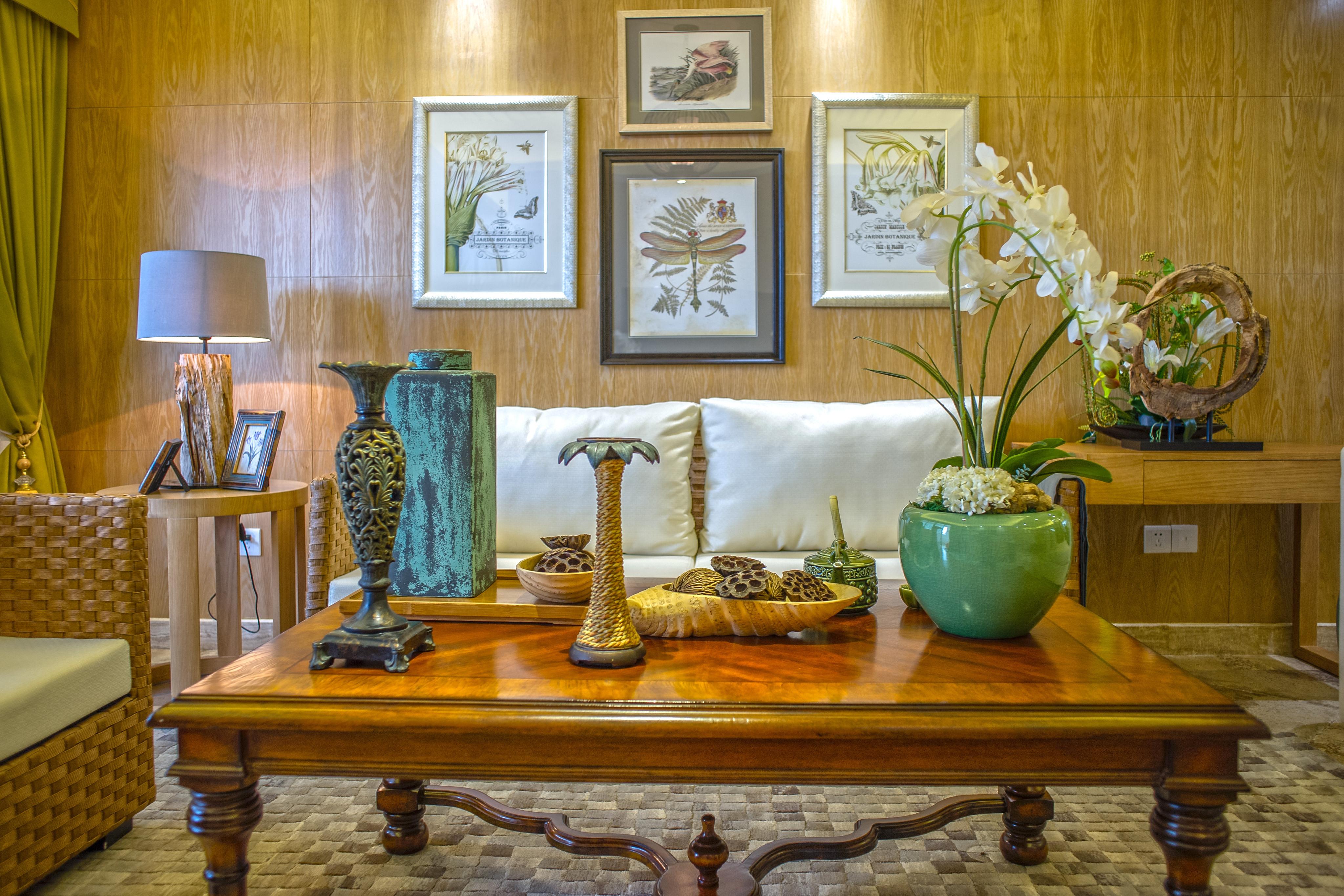 130平东南亚风情装修沙发背景墙图片