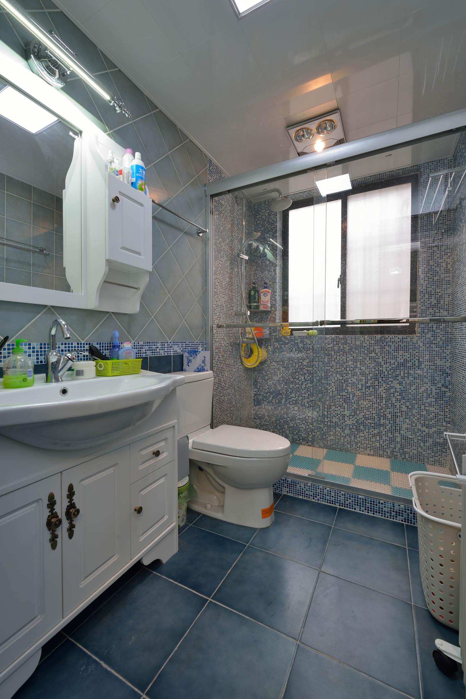 地中海美式乡村家卫生间装潢图
