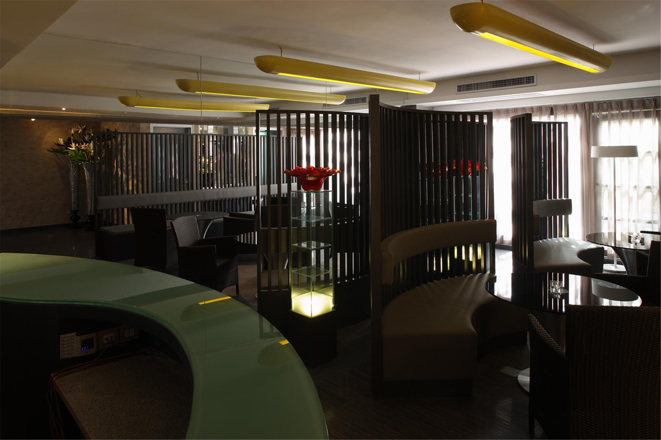 公寓式精品酒店装修餐厅设计图