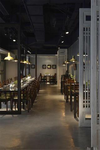 中式禅意餐厅装修木作隔断设计
