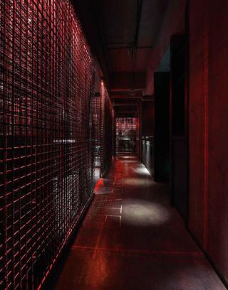 酒吧餐饮空间装修走廊图片