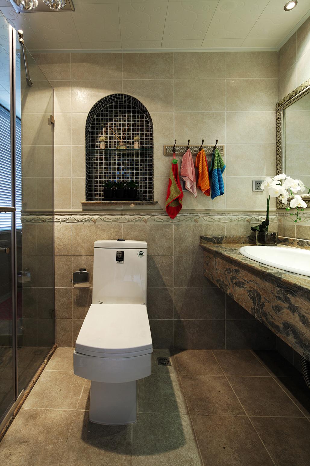 160平新古典装修卫生间装潢图