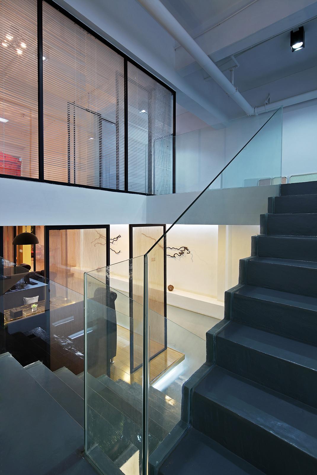 意境优美的办公室装修楼梯图片