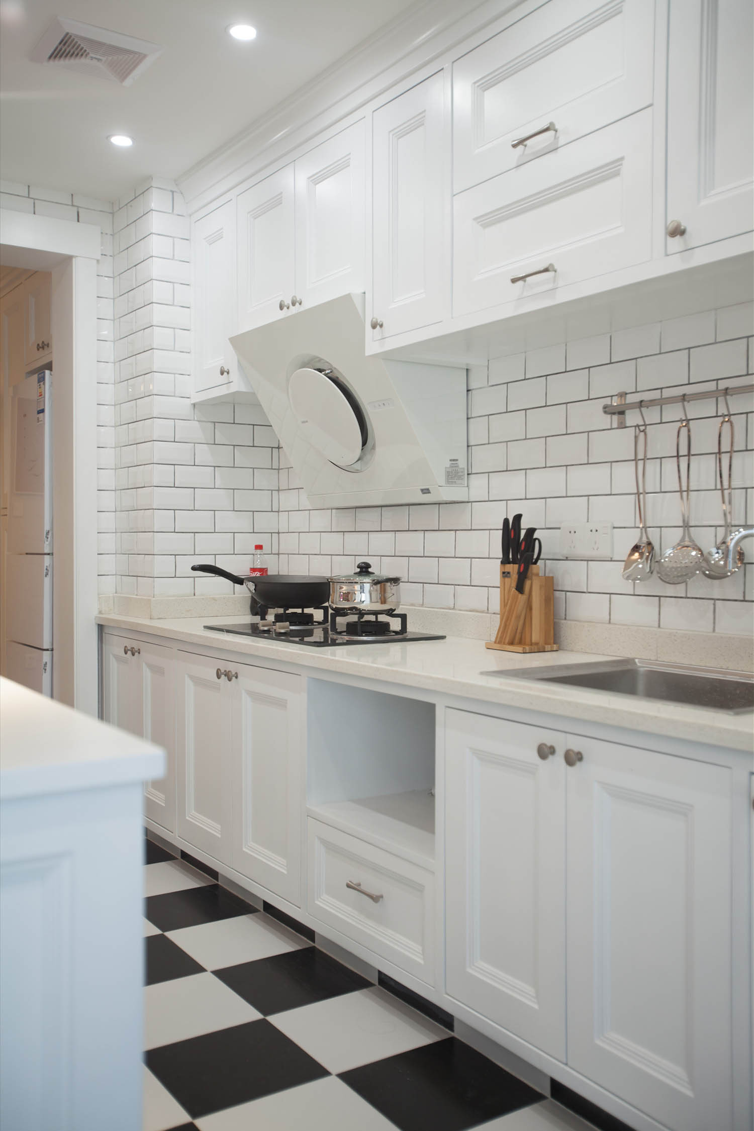 小户型北欧二居装修厨房设计图