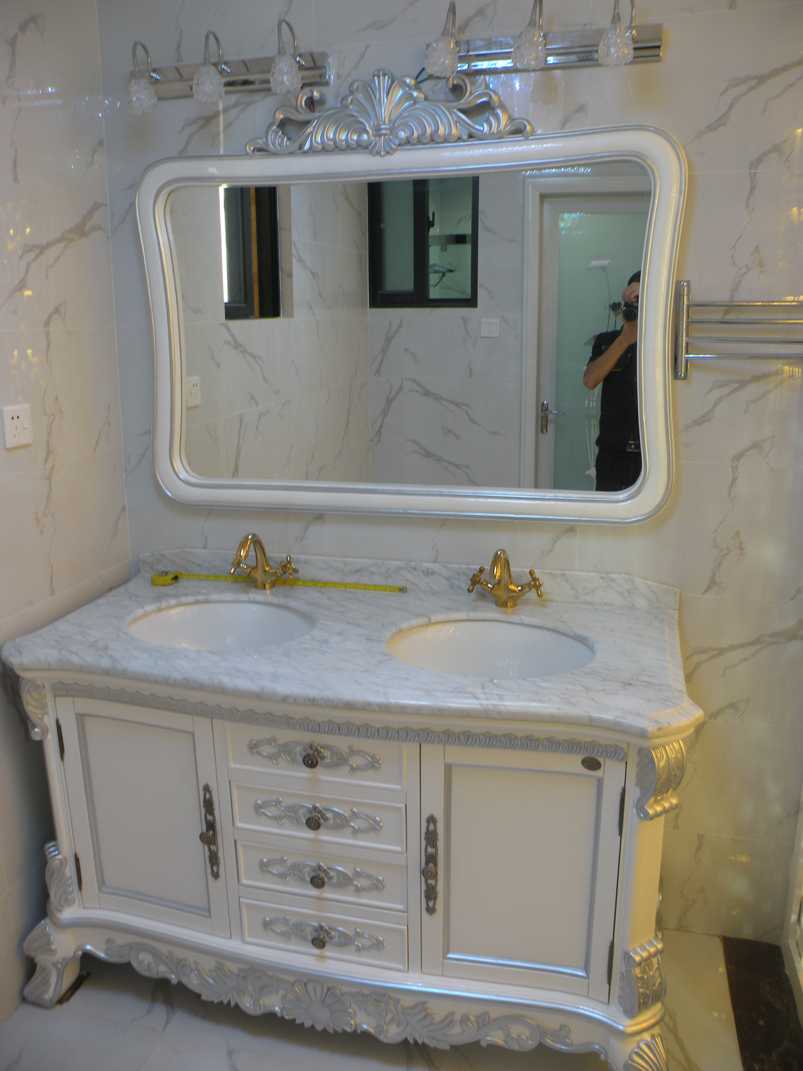 150平欧式风格装修浴室柜图片