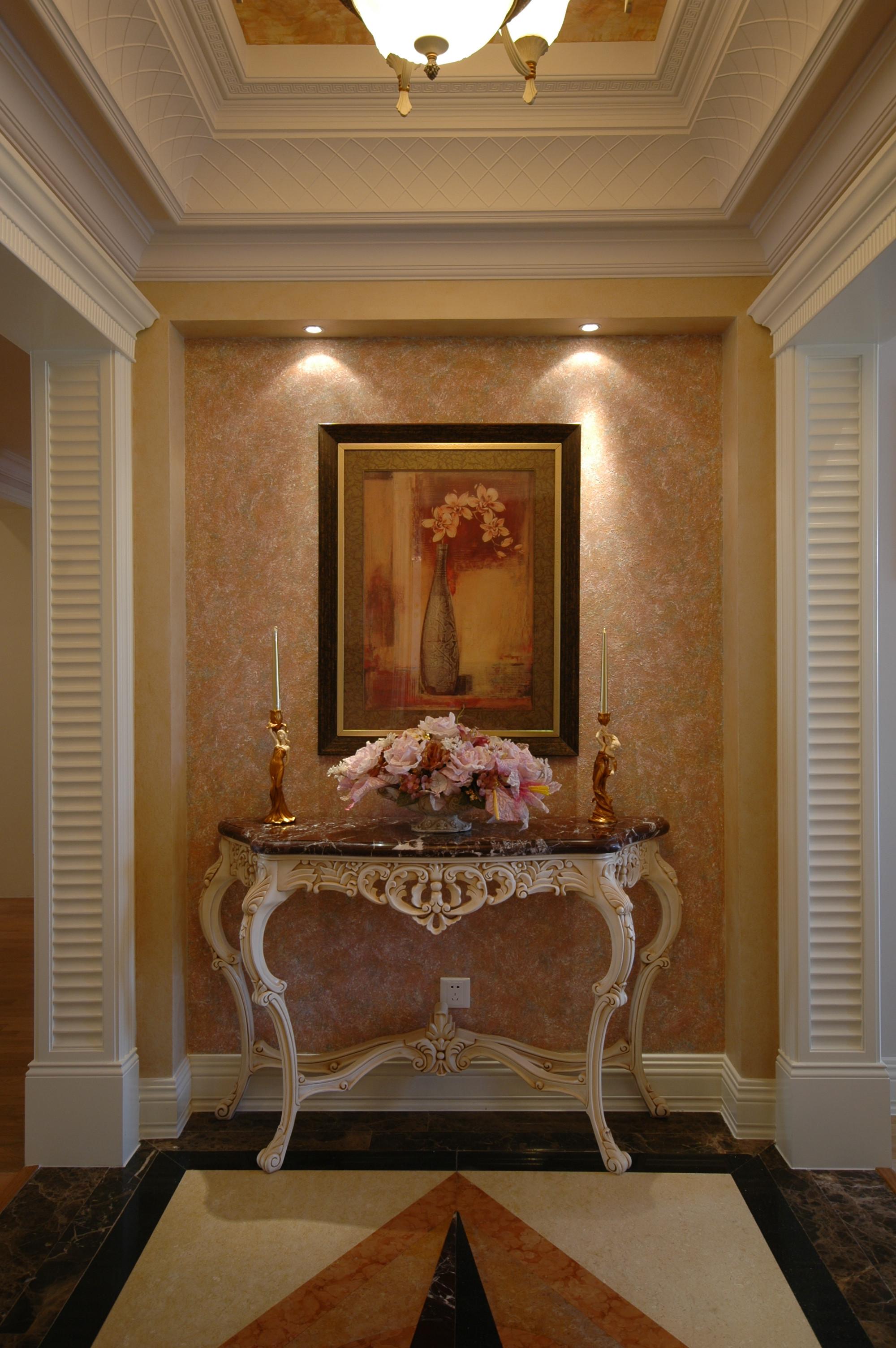 三居室欧式公寓装修玄关柜图片