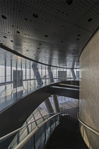 上海中心观光厅走道设计