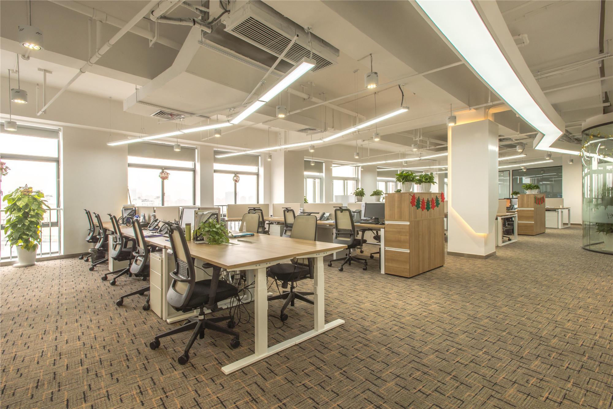 简约风办公室装修吊顶设计