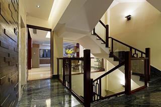 中式别墅装修楼梯过道