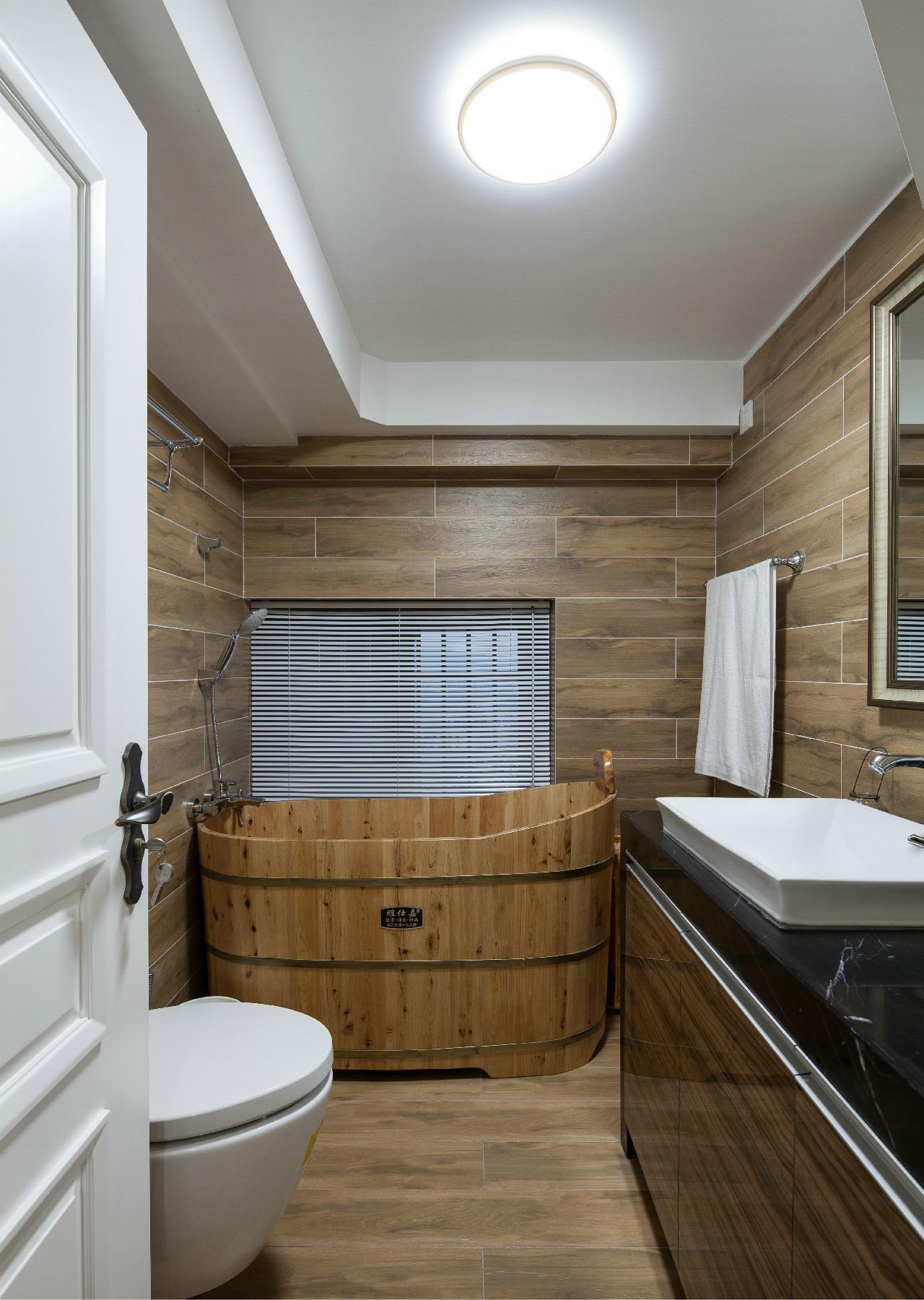 70平挑高小复式装修卫生间设计图