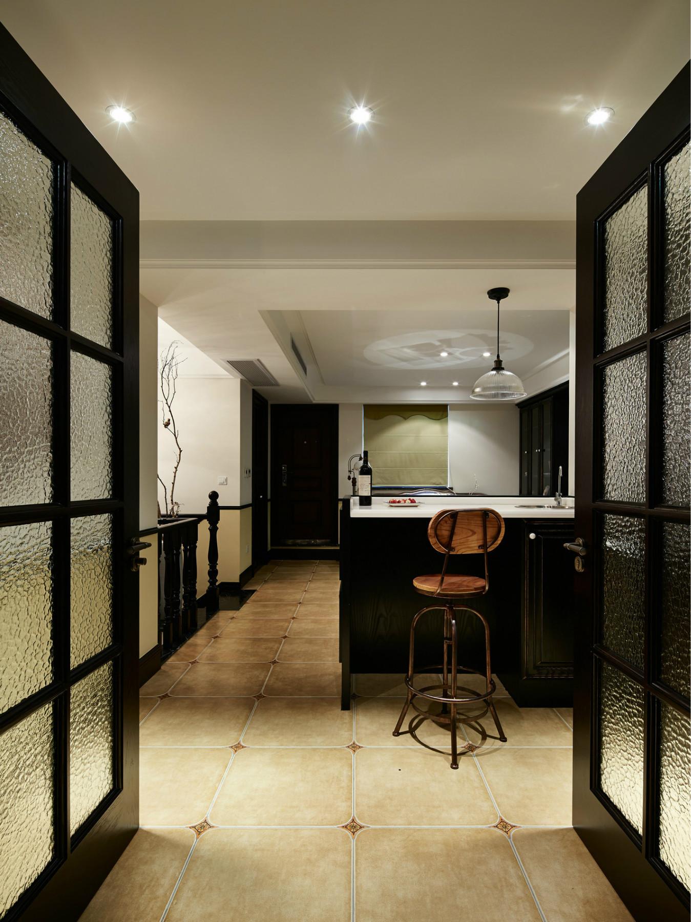 复式三居装修吧台设计