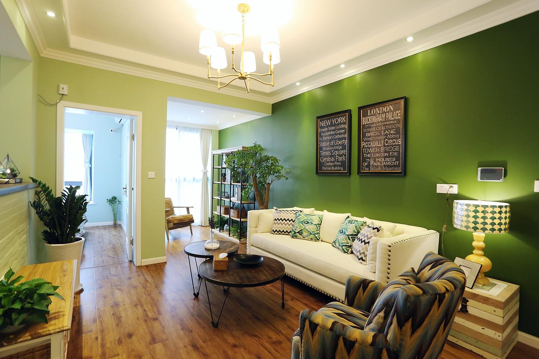 60平美式混搭装修客厅设计图