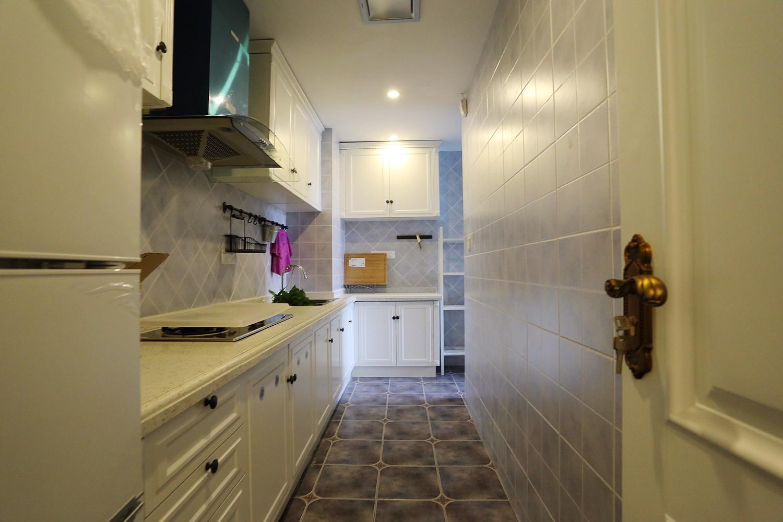 60平美式混搭装修厨房布局图