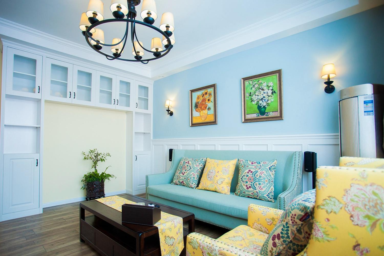 100平混搭风二居装修沙发背景墙图片
