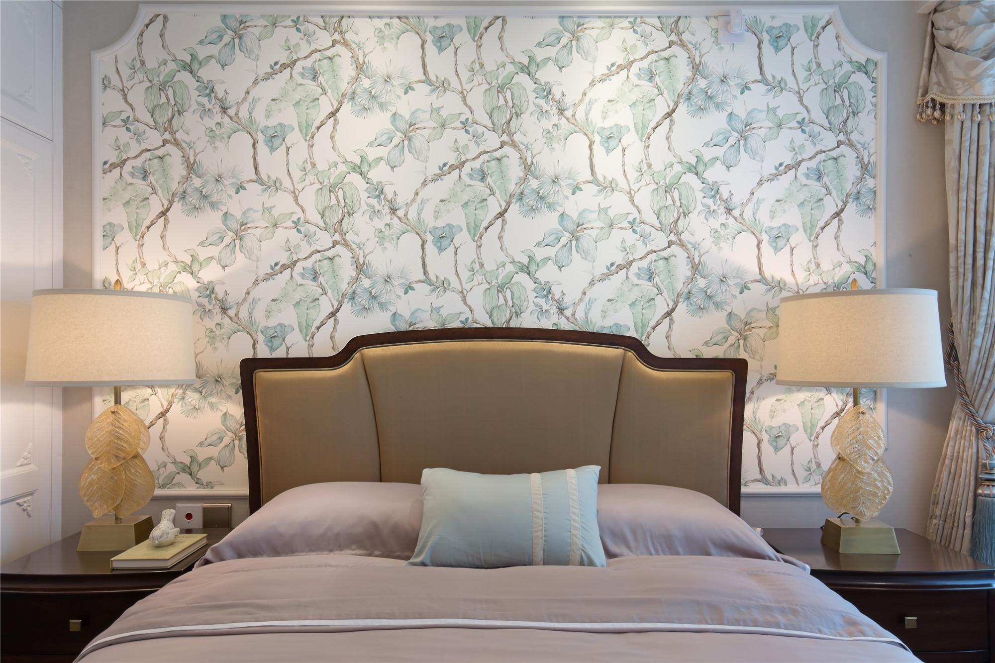 80平现代美式装修卧室背景墙图片
