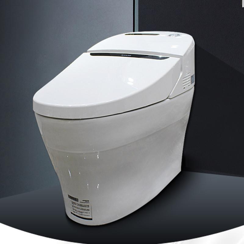 """""""ARROW""""箭牌卫浴隶属于广东省佛山市顺德区乐华陶瓷洁具有限公司,是国内最具实力和影响力的综合性卫浴品牌。公司总部设在世界著名的陶瓷产地广东佛山,是我国规模最大的建筑卫生陶瓷制造与销售企业,主要生产ARROW箭牌陶瓷卫生洁具、压克力浴缸、冲浪缸、淋浴房、蒸汽房、实木浴室柜、PVC浴室柜、全铜质镀铬龙头、不锈钢盆及五金挂件等卫生间全配套产品,以及瓷质饰釉砖、抛光砖、釉面内墙砖、橱柜等系列产品。 自199."""