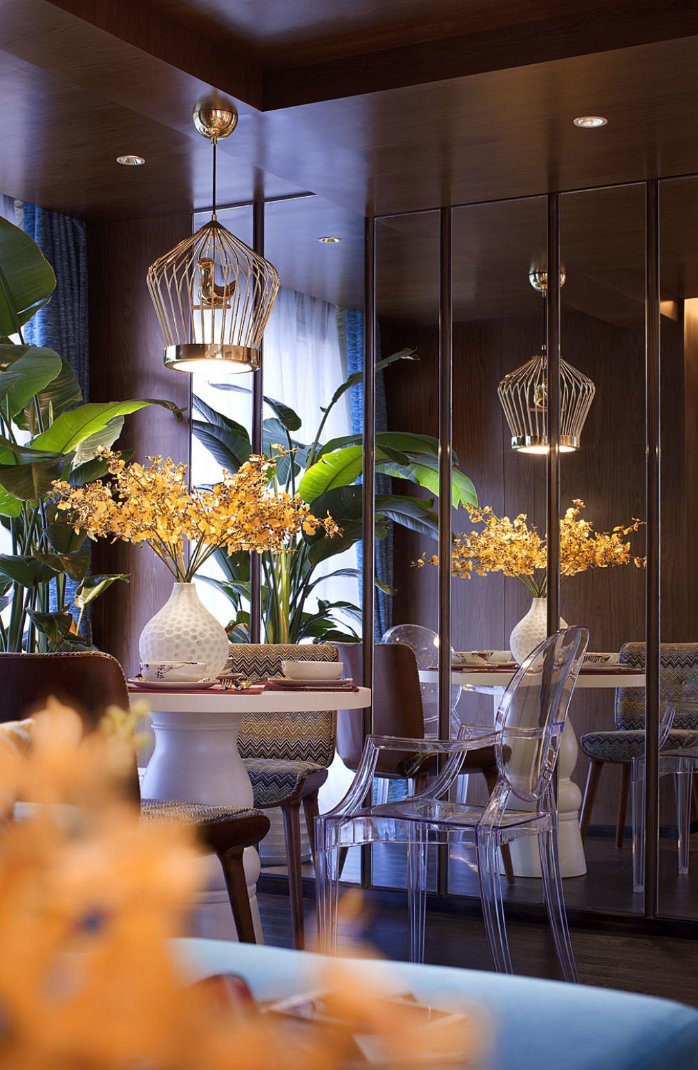 大户型现代风格家餐厅设计图