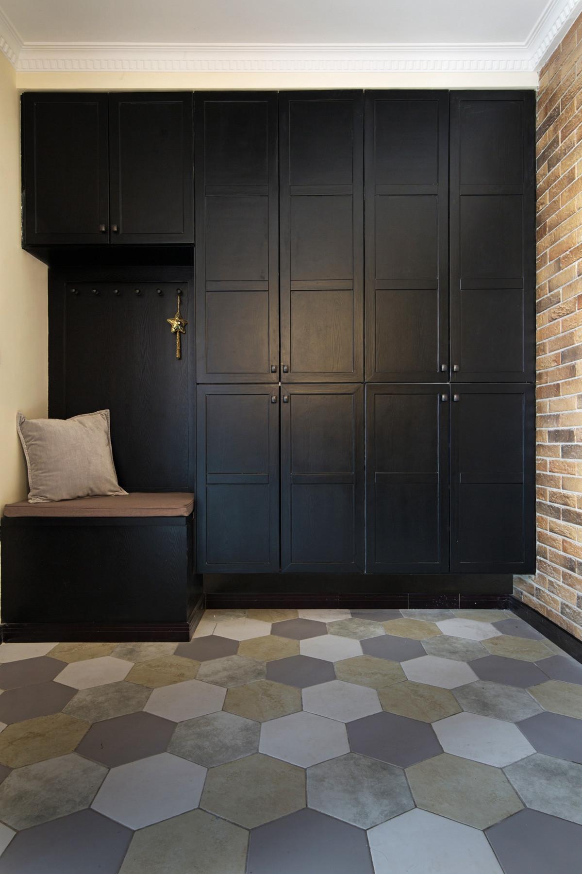 105平现代英伦风格家门厅设计