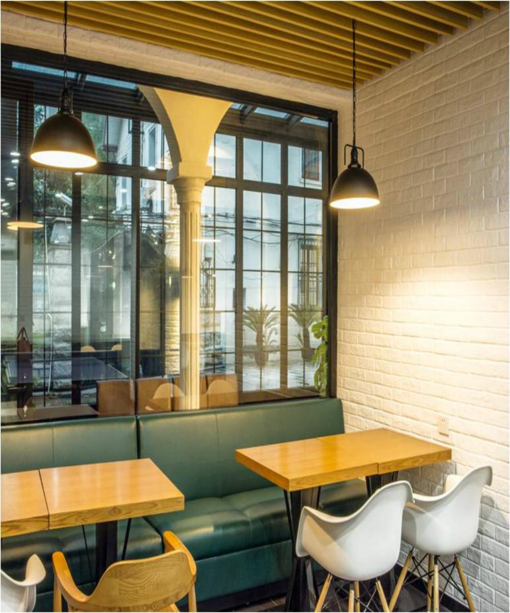 北欧风餐厅设计卡座区