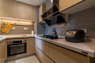 80平简约风格装修厨房布局图